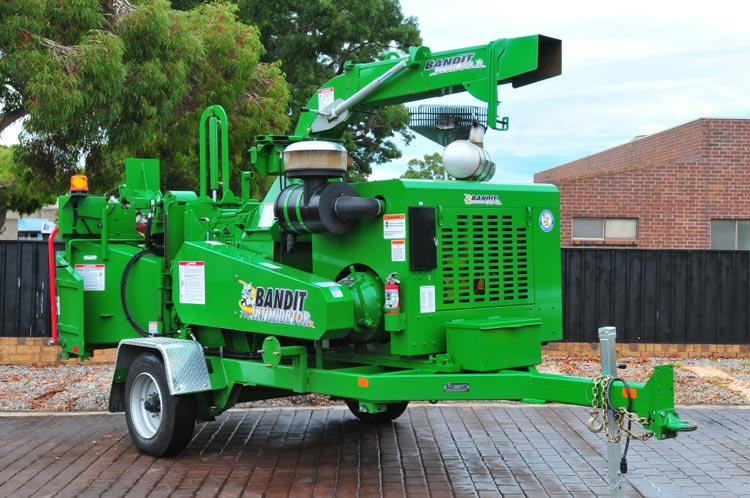 wood chipper bandit 18xp 1590xp drum chipper